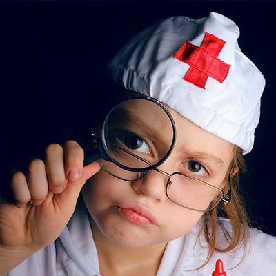 Organizza per tempo i controlli per i tuoi bambini: quali screening sono da fare nei primi anni di vita?